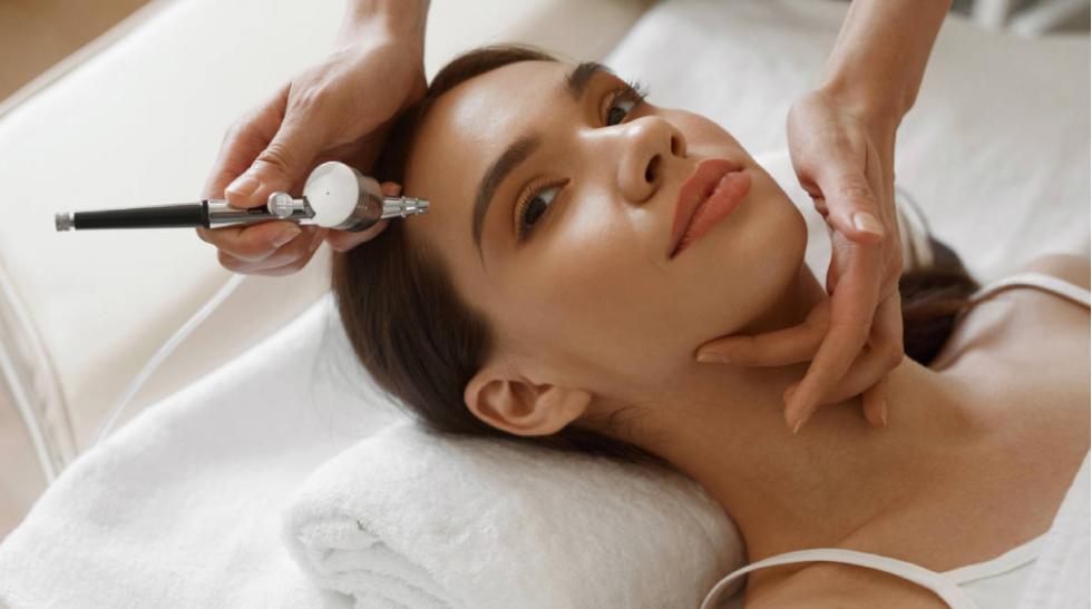 Scopri i benefici dell'ossigenoterapia come trattamento viso